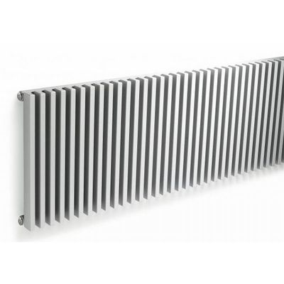 Vasco Zana zh 2 radiator 1184x600 mm n6 as 0018 2009w zwart m300