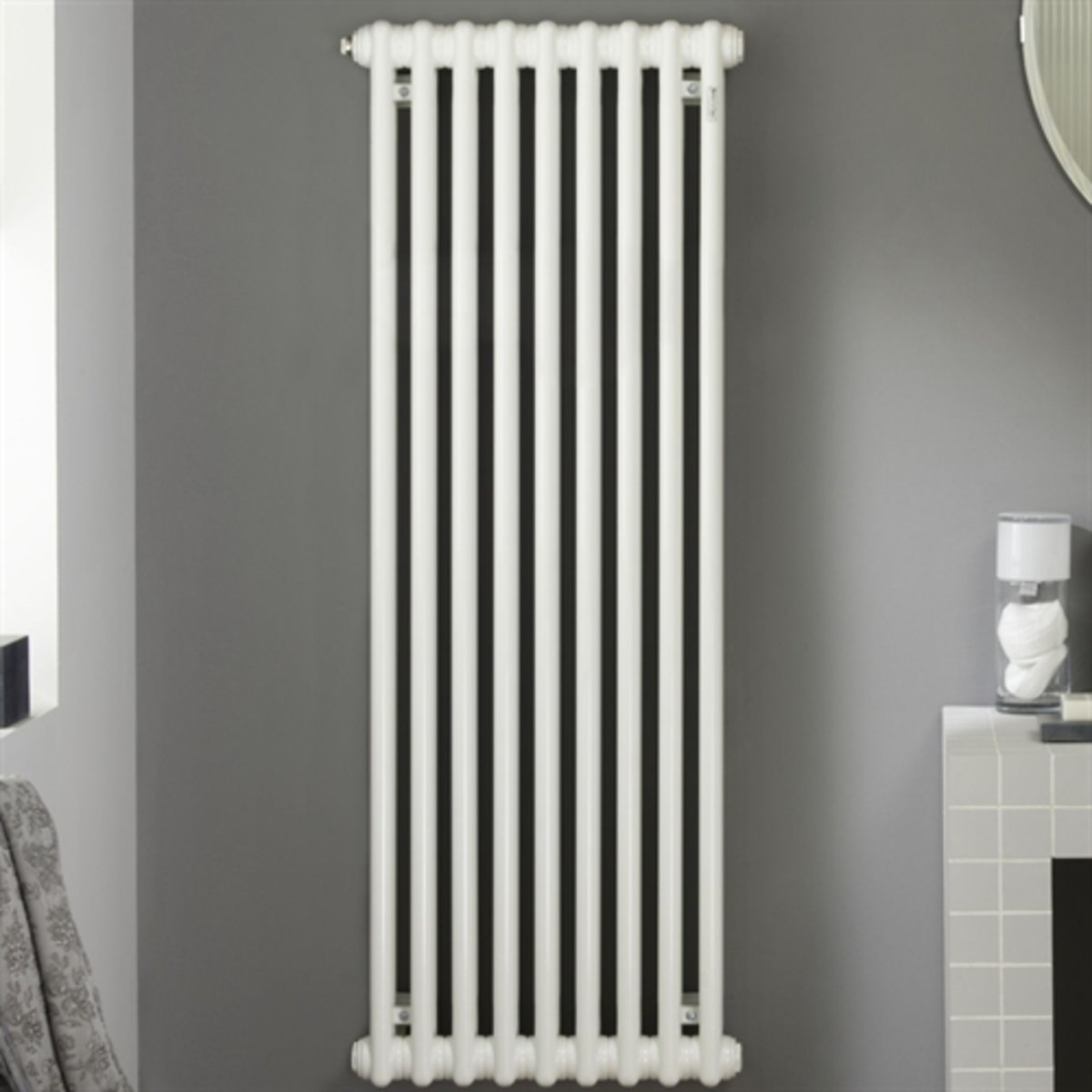 zehnder charleston radiateur vertical 720w blanc fin de s rie 41504. Black Bedroom Furniture Sets. Home Design Ideas