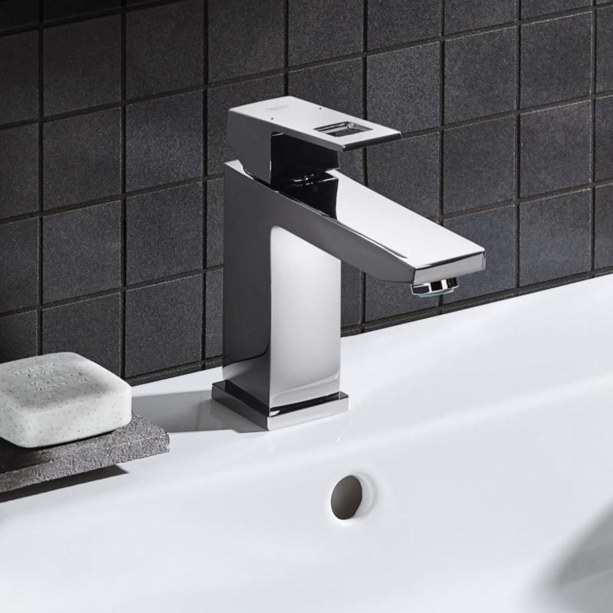 grohe eurocube wastafelkraan medium met waste 28mm met temperatuurbegrenzer chroom 23445000. Black Bedroom Furniture Sets. Home Design Ideas