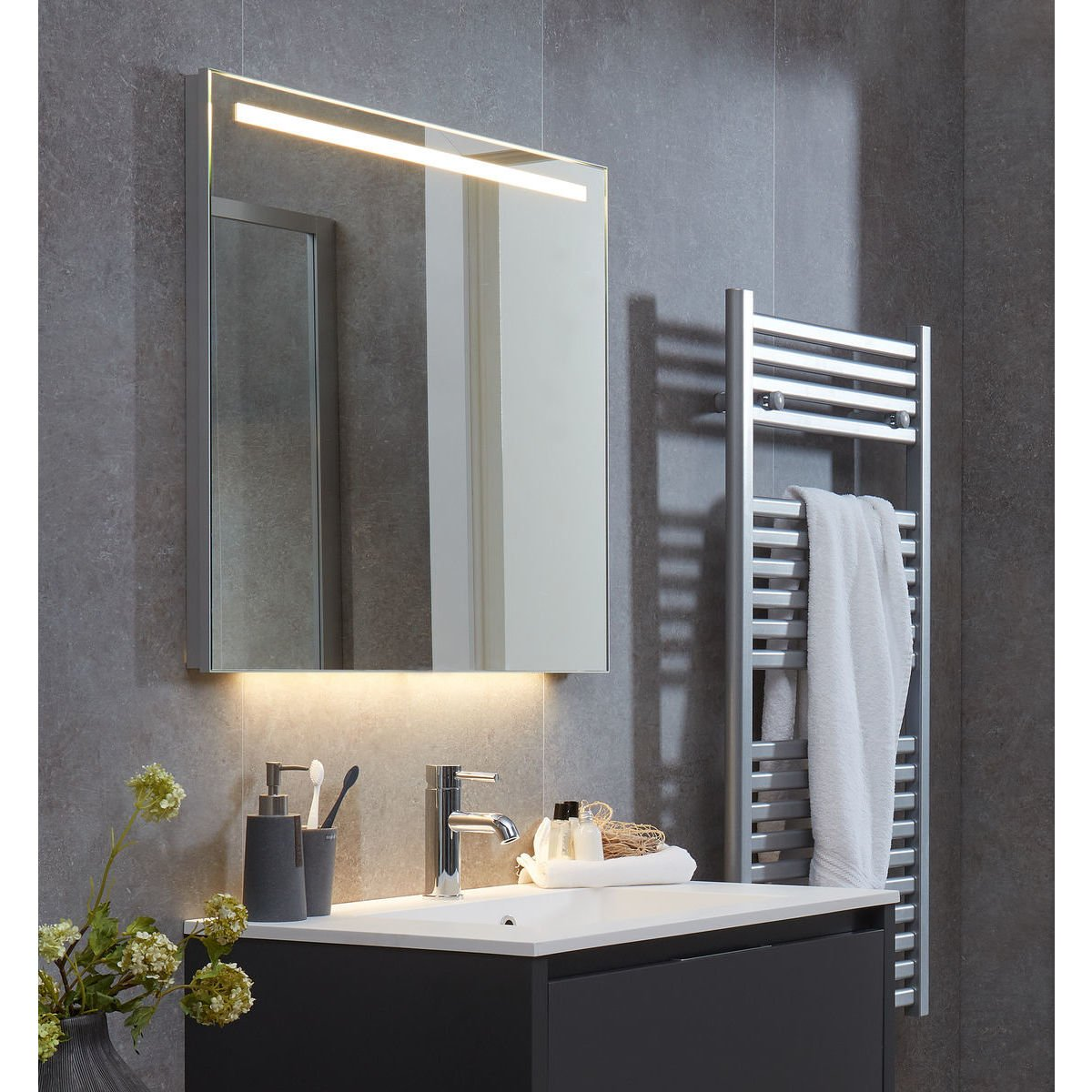 bruynzeel miroir panneau 120x60cm avec clairage led horizontal aluminium 232108. Black Bedroom Furniture Sets. Home Design Ideas