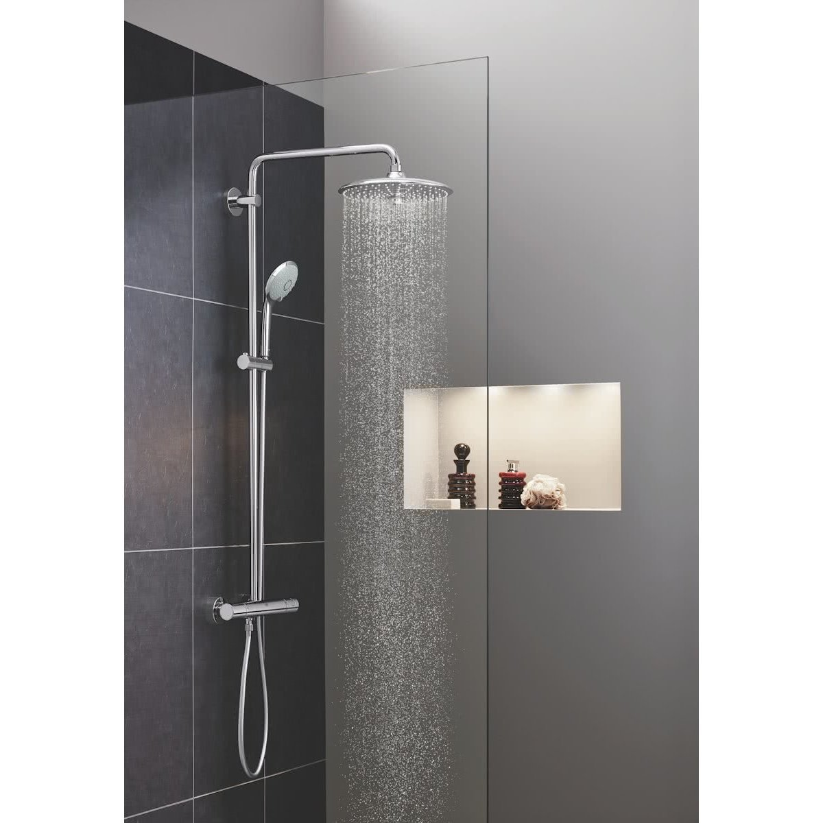 grohe euphoria ensemble de douche avec robinet. Black Bedroom Furniture Sets. Home Design Ideas