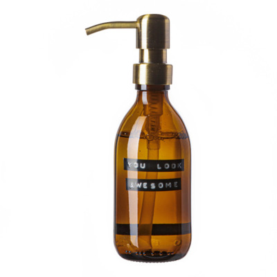 Wellmark Handzeep bruin glas messing pomp 250ml tekst YOU LOOK AWESOME