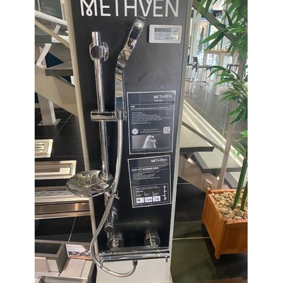 Methven Aurajet Aio Easy Fit Shower Kit doucheset inclusief cool to touch thermostaat chroom exclusief handdouche SHOWROOMMODEL
